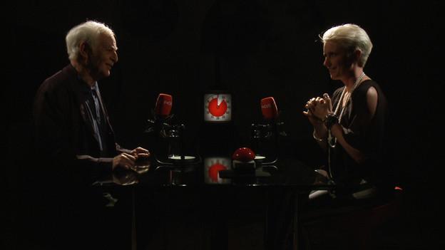 Schriftsteller Adolf Muschg trifft auf Sportmoderatorin Steffi Buchli.