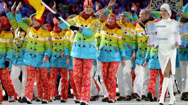 Die deutschen Athleten bei der Eröffnungsfeier in Sotschi.