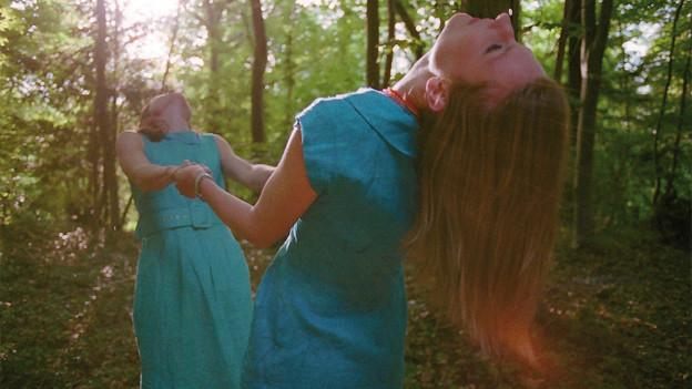 Unter anderem Thema im heutigen Sounds!: Katherine Blamire and Jessica Davies von Smoke Fairies.