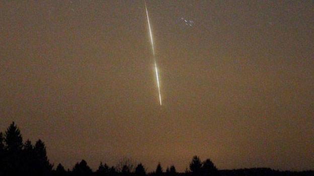 Eine leuchtende Feuerkugel erhellte am 1. April den Nachthimmel