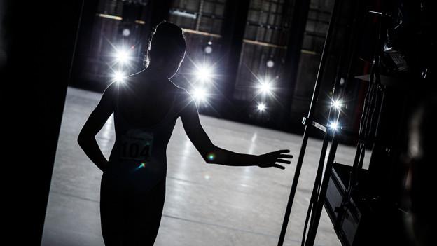 Tänzerin Georgina Egan kurz vor ihrem Auftritt am Prix de Lausanne.