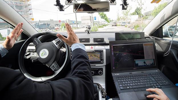 Erstmals war diese Woche ein selbstfahrendes Auto auf Schweizer Strassen unterwegs.