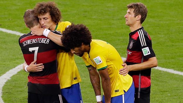 Dante und David Luiz mit Bastian Schweinsteiger und Thomas Müller
