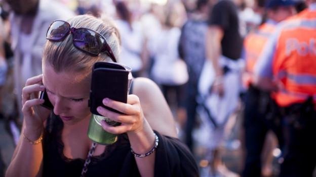 Kurz das Handy aus der Hand gegeben und schon hat man eine saftige Rechnung.