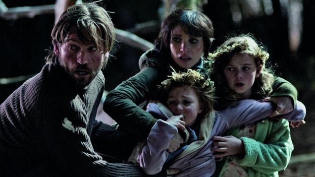 Lucas (Nikolaj Coster-Waldau) und Annabel (Jessica Chastain) mit Lilly (Isabelle Nélisse) und Victoria (Megan Charpentier).