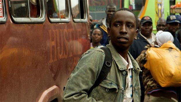 Das Landei Mwas (Joseph Wairimu) kommt in die Grossstadt Nairobi.