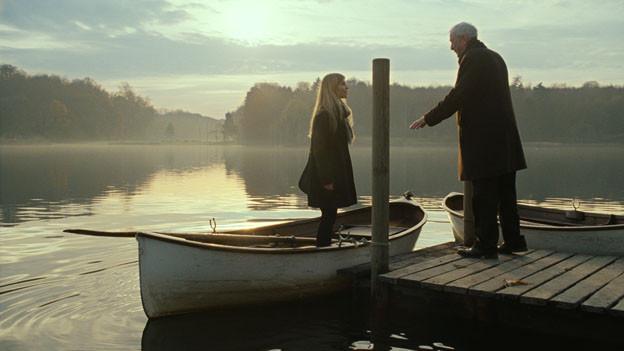 Pauline (Clémence Poésy) zeigt Mister Morgan (Michael Caine) den Weg zurück ins Leben.