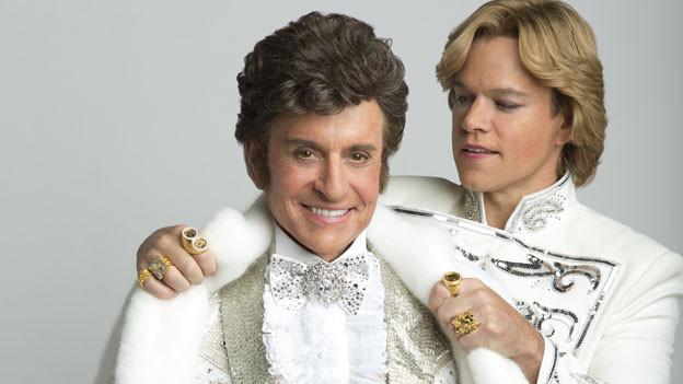 Michael Douglas und Matt Damon mit «angeschminktem» Facelifting als Liberace und Scott.