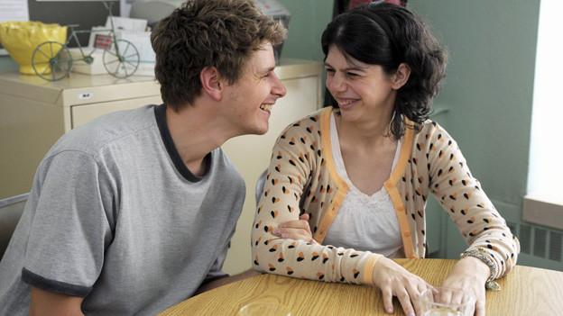 Gabrielle (Gabrielle Marion-Rivard) und Martin (Alexandre Landry) haben sich ineinander verliebt.