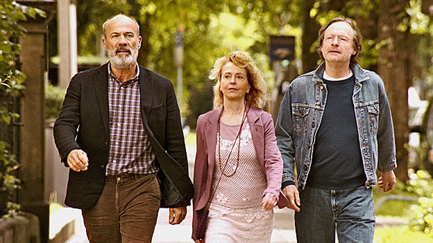 Eddi (Heiner Lauterbach), Anne (Gisela Schneeberger) und Johannes (Michael Wittenborn) gründen eine Alters-WG.