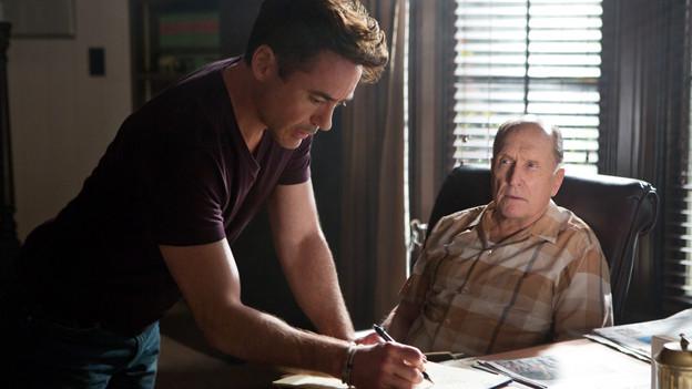 Die beiden hassen sich, sind sich aber ähnlicher, als sie meinen: Vater (Robert Duvall) und Sohn (Robert Downey Jr.).