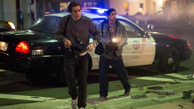 Der «Nightcrawler» Lou (Jake Gyllenhaal, links) und sein Assistent Rick (Riz Ahmed).