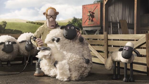 Shaun (rechts) und die anderen Schafe bekommen neue Frisuren.