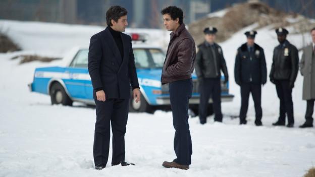 Verkehrte Welt: Abel Morales (Oscar Isaac, links) wird bestohlen, doch er ist es, dem die Polizei das Leben schwermacht.