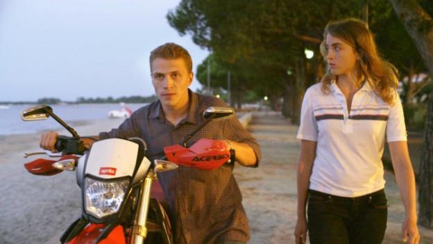 Arnaud (Kevin Azaïs) zieht es zur burschikosen Madeleine (Adèle Haenel).