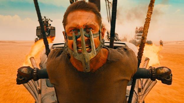 Mad Max (Tom Hardy) in der Klemme.