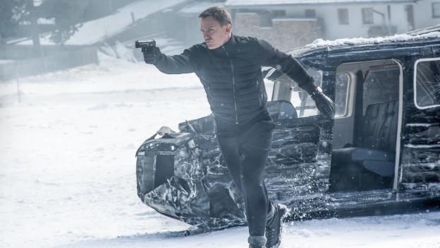 Daniel Craig tut einmal mehr, was er am besten kann: James Bond spielen.