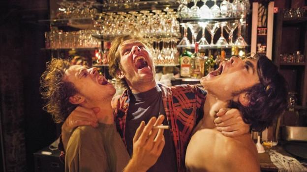 So fühlt sich, wer ins Belgica von Jo (Stef Aerts, links) und Frank (Tom Vermeir, Mitte) geht.