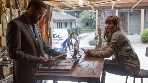 Die FBI-Ermittler Ray (Chiwetel Ejiofor) und Jess (Julia Roberts) suchen einen Serienmörder.