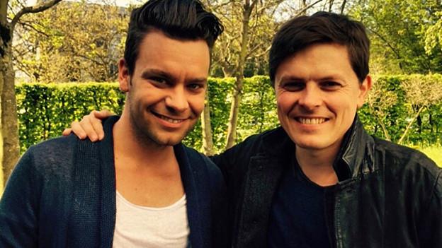 Hitparaden-Moderator Michel Birri (links) und Paddy Kelly.