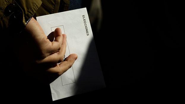 Die Spanierinnen und Spanier wählen ein neues Parlament.