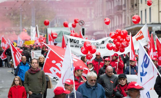 Trotz des garstigen Wetters gingen viele Gewerkschafter und Sozialdemokraten zum Tag der Arbeit auf die Strasse.