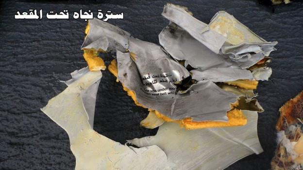 Überreste des abgestürzten EgyptAir-Flugzeugs