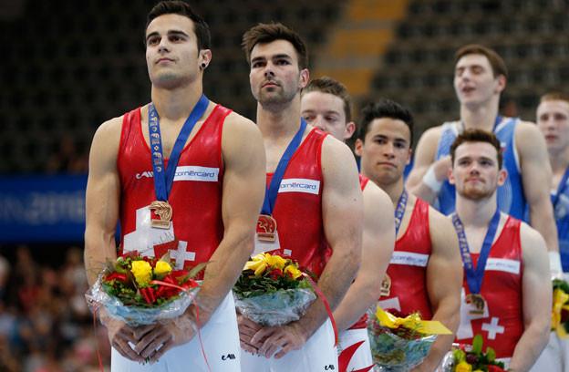 Das Schweizer Kunstturn-Team mit zu Recht vor Stolz geschwellter Brust: Gewannen sie doch die Bronzemedaille im Teamwettbewerb.