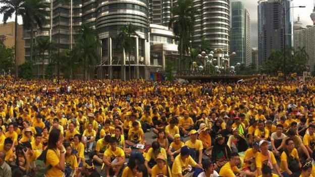 Die Gelbhemden verlangen den Rücktritt von Najib