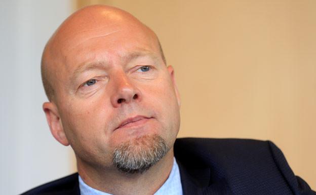 Yngve Slyngstad, der Chef des Norwegischen Staatsfonds fordert von den Banken, an denen der Fonds beteiligt ist, Auskunft darüber, wie Investitionen das Klima belasten.