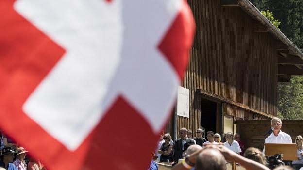 Der abtretende Bundesrat Didier Burkhalter bei einer Ansprache im Waadtland.