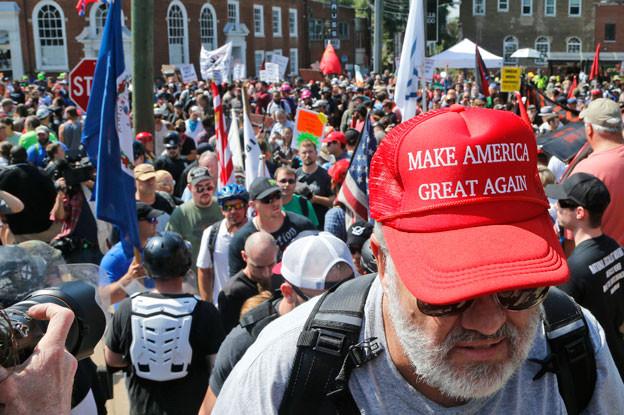 In der US-Stadt Charlottesville im Bundesstaat Virginia prallten Weltansichten gewaltsam aufeinander.