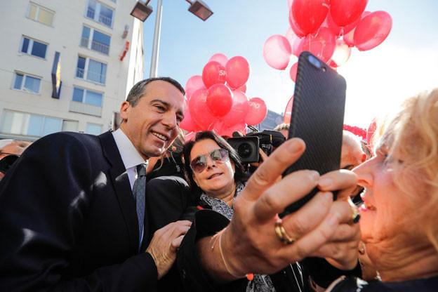 Alle Parteien in Österreich - auch Bundeskanzler Christian Kern mit seinen Sozialdemokraten - geben am Tag vor der Wahl noch einmal alles.