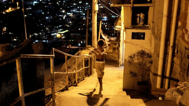 Gerade in Slums - hier eine Szene aus dem «Alemao» in Rio de Janeiro - ist die Zahl der Gewaltverbrechen besonders hoch.