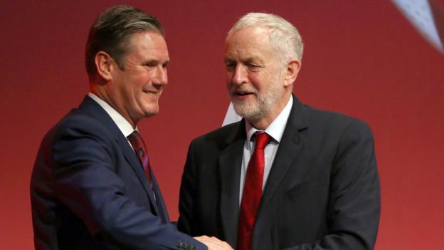 Auf Jeremy Corbyn (r.) folgt Keir Starmer an der Spitze der Labour-Partei