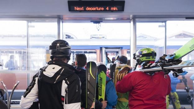 Schweizer Skigebiete haben in den letzten Jahren mit neuen Abomodellen experimentiert - mit mässigem Erfolg, wie sich nun zeigt.