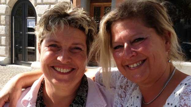 So synchron können nur langjährige Freundinnen strahlen: Bettina Peterhans und Heidy Schärer (rechts), beide aus dem Zürcher Weinland.