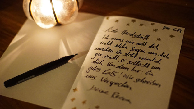 Neujahrsgrüsse an die Handschrift, denn sie hat Zukunft.