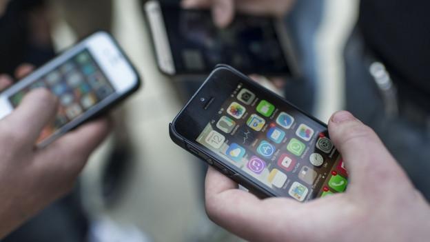Digitale Assistenten in der Hosentasche: Smartphones und Apps