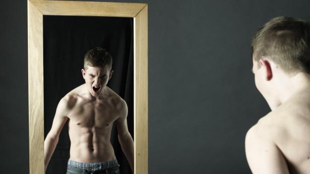 Keiner ist schöner: Wie Narzissten ihre Mitmenschen an den Abgrund bringen.