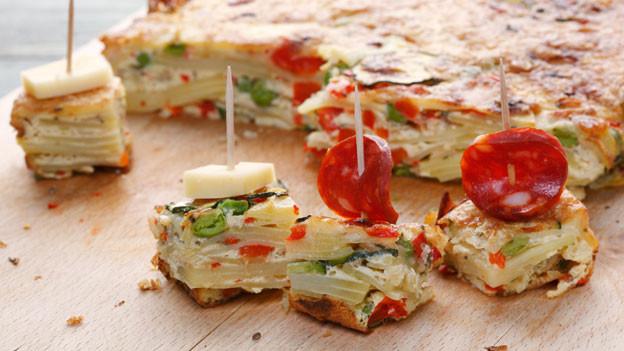 Tortilla mit Swiss Finish: Hädöpfel-Omelette mit Bärlauch.