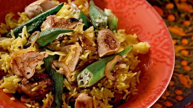 1.2 Milliarden Inder können nicht irren: beim Reisgericht Biryani schöpft man gerne nach.