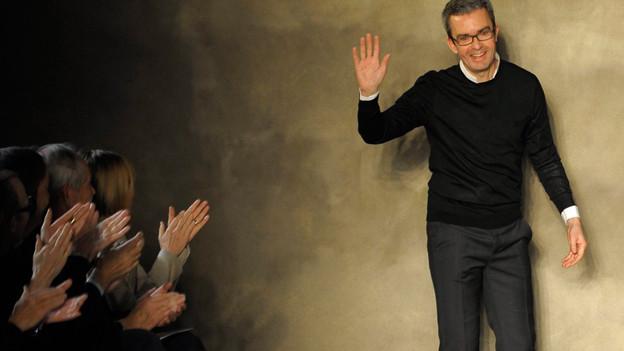 Applaus in Paris für Modedesigner Albert Kriemler vom St. Galler Label Akris.