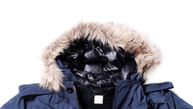 Daunenjacken geben auch bei minus zehn Grad warm.