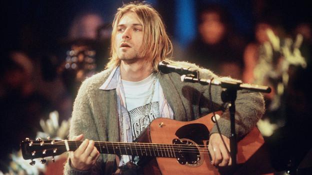 Kurt Cobain verhalf der Strickjacke in den 90er-Jahren zu Coolness.