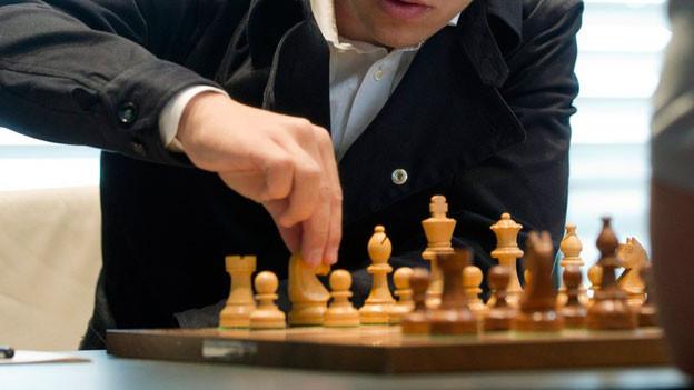 Schachspieler sind geübt, sich aus Zwickmühlen zu lösen.