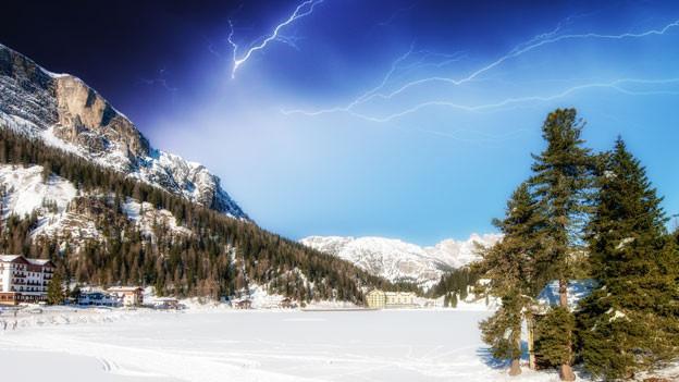 Ein Wintersturm über den Dolomiten.