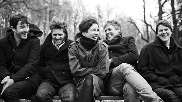 Am 23. April erscheint ihr viertes Album «Ultramarine»: Das kanadische Pop-Quintetts Young Galaxy.