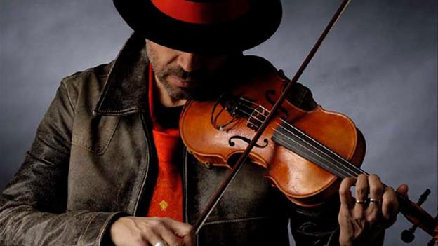 Bringt seine Geige mit ins «World Music Special»-Studio: Egon Egemann.