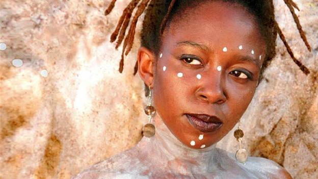 Setzte sich als eine der ersten Frauen an der Mbira durch: Chiwoniso.